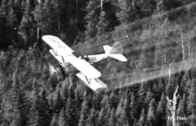 Skyway #81 CF-DFC spraying in New Brunswick, 1968. [FPL Files]