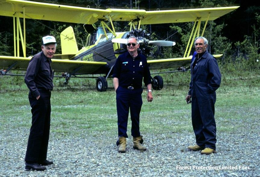 Bud Irving, Roc Hodgins, Doug Worgan and General Airspray AgCats, 1985