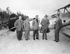 - #100 N58065 Medford Air Services - Delegates posed at Nictau - Image taken by Richard Arless at Nictau, New Brunswick, between 27 May and 2 June, 1953.